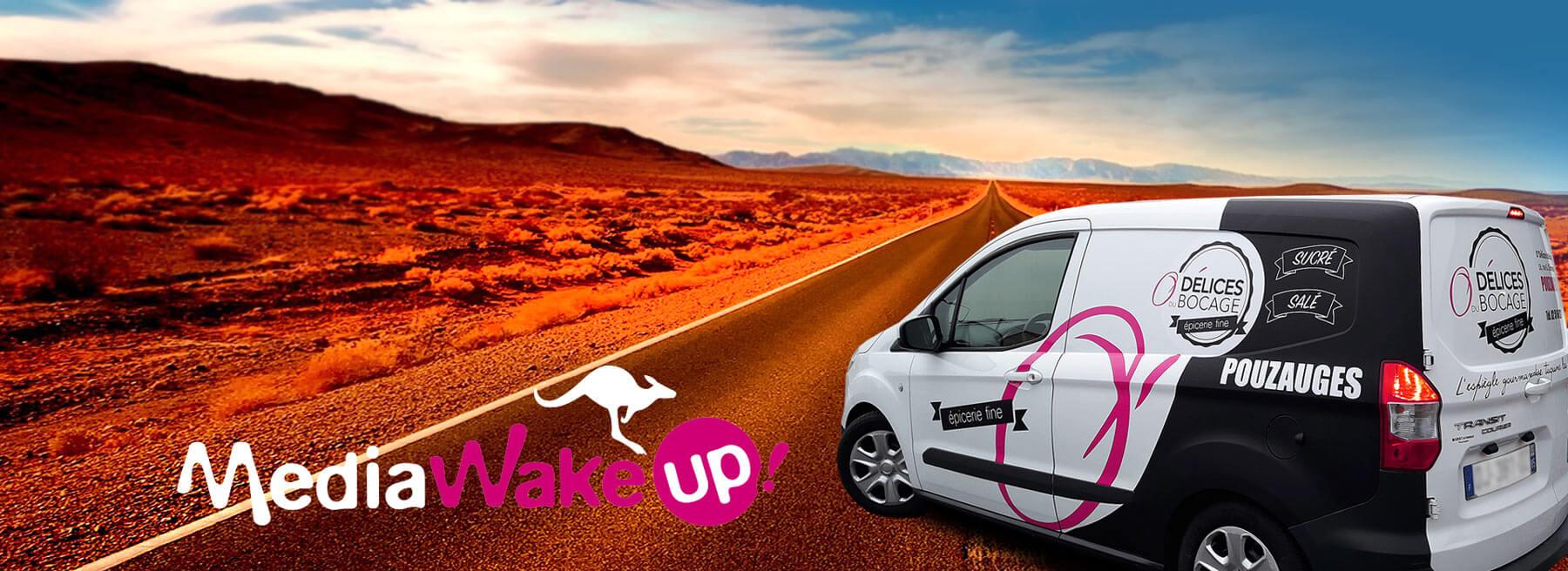 Publicité marquage adhésif en Vendée - pose d'adhésifs sur voiture camion véhicules utilitaires en Vendée